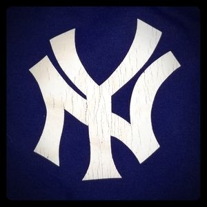 New York Yankees shirt